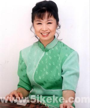 除教学和演出外,林玲还担任中国音乐学院古筝考级图片
