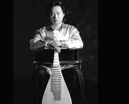 著名琵琶演奏家——方锦龙