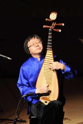 钢琴,大提琴,交响乐,女高音的默契配合,对琵琶这种民族乐器产生一种全