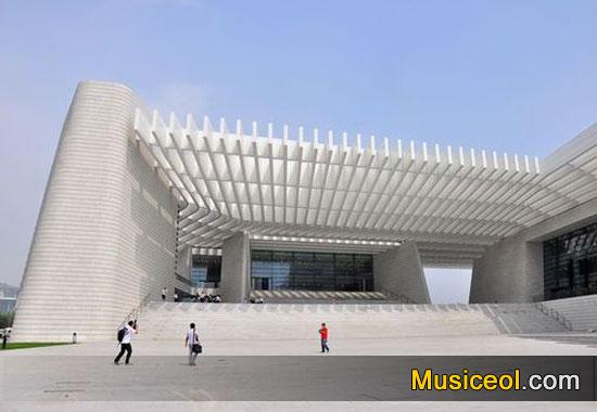 """本周六(3月12日)上午,青岛大剧院首场""""周末艺术汇""""将在大剧院音乐"""