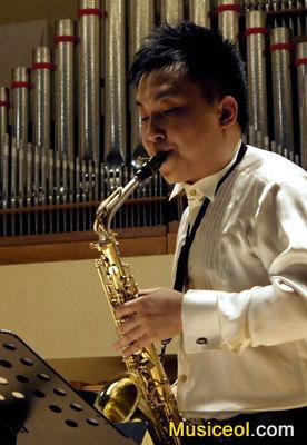 方奇峰萨克斯管独奏音乐会举行