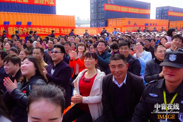 现场观众1.jpg