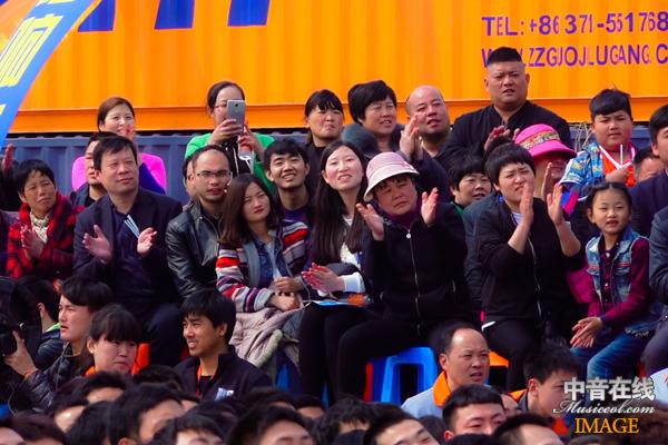 现场观众2.jpg