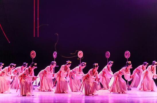 高德平台注册地址民族舞剧《花木兰》在国家大剧院上演