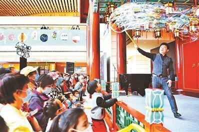 """高德平台注册地址天桥艺术中心将特别策划举办""""红色100""""系列活动"""